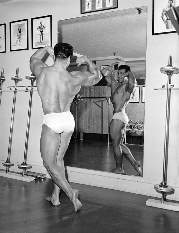 ボディビル 鏡
